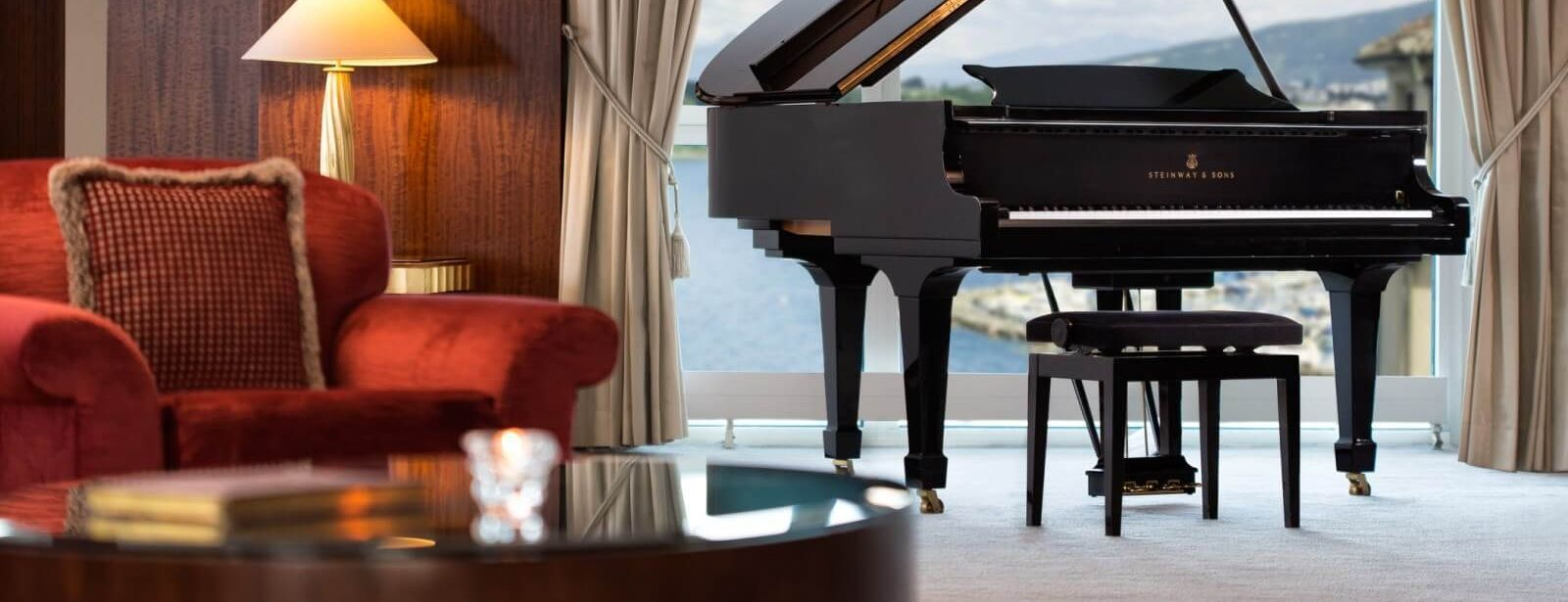 1600×900-Royal-Penthouse-Suite—Imperial-Steinway-Grand-Piano-Med